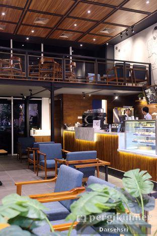 Foto 7 - Interior di Blue Lane Coffee oleh Darsehsri Handayani