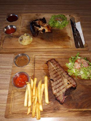 Foto 2 - Makanan di Ang's Grille - Hotel Ibis Budget Jakarta Cikini oleh Mouthgasm.jkt