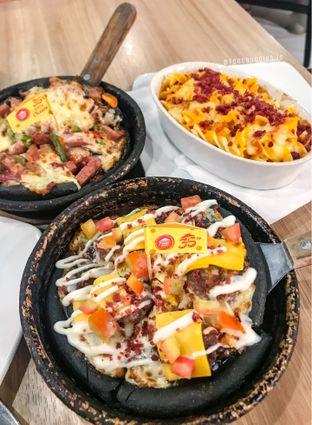 Foto 1 - Makanan di Pizza Hut oleh @Foodbuddies.id | Thyra Annisaa
