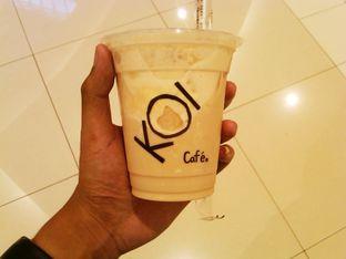 Foto 4 - Makanan(Caramel milk tea (IDR 26k)) di KOI The oleh Renodaneswara @caesarinodswr