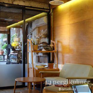 Foto 4 - Interior di Sana Coffee oleh Darsehsri Handayani