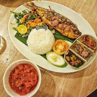 Foto 2 - Makanan(nasi ikan jimbaran) di Taliwang Bali oleh duocicip