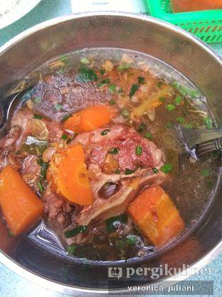 Foto - Makanan di Sop Buntut Sapi Ma' Emun oleh Veronica Juliani @sukanyarimakan