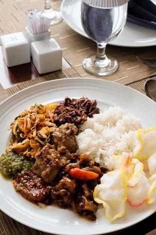 Foto 7 - Makanan di Lobby Lounge - Swiss Belhotel Serpong oleh Duolaparr