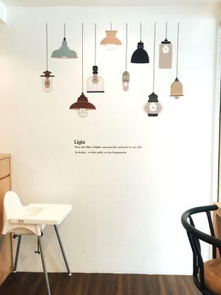 Foto 2 - Interior di Kojima Burger & Coffee oleh Jeljel