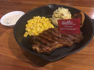 Foto 1 - Makanan(Midfield Sirloin) di Steak Hotel by Holycow! oleh lt foodlovers28