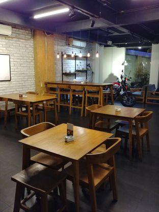 Foto 7 - Interior di Kanawa Coffee & Munch oleh kayanyaenak