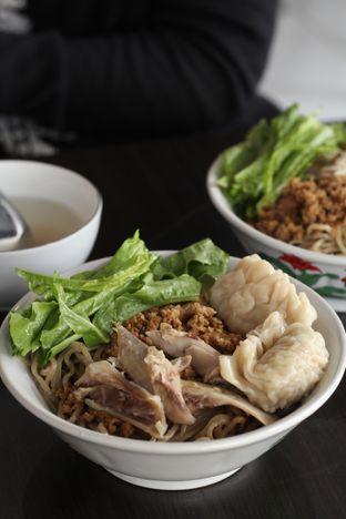 Foto 4 - Makanan di Bakmi Karet Surya oleh thehandsofcuisine