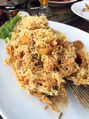 Foto 5 - Makanan(Gurame Pasir Mas) di Dapur Seafood oleh Magdalena Fridawati