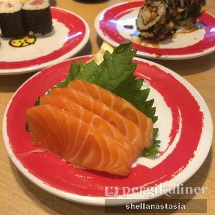 Foto 1 - Makanan(Salmon Sashimi) di Genki Sushi oleh Shella Anastasia