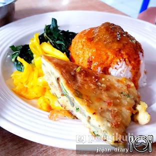 Foto 3 - Makanan(Telur dadar) di RM Tanjung Baru oleh Jajan Diary
