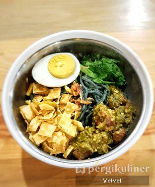 Foto - Makanan(Spicy Mie Sehat Karma Tuna) di Warung Bos oleh Velvel