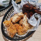 Foto Crunchy Wings Garlic Parmesan di Wingstop