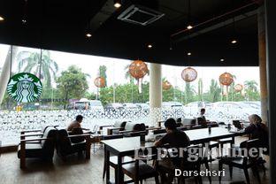 Foto 7 - Interior di Starbucks Coffee oleh Darsehsri Handayani