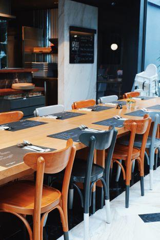 Foto 9 - Interior di Greyhound Cafe oleh Indra Mulia