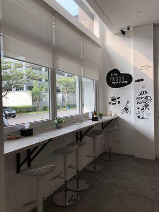 Foto 9 - Interior di Oiio Bistro oleh @Sibungbung