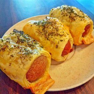 Foto 2 - Makanan(Sausage Roll) di Ong's Kitchen oleh felita [@duocicip]