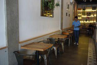 Foto 5 - Interior di Agenda Coffee Bistro oleh eatwerks