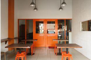 Foto 5 - Interior di Ayam Krezz Kalasan oleh thehandsofcuisine