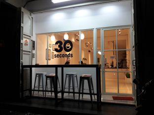Foto 4 - Eksterior di 30 Seconds Coffee House oleh Nisanis