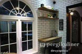 Foto 7 - Interior di Qubico Coffee oleh Desy Apriya