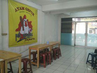 Foto 5 - Interior di Ayam Gepuk Pak Gembus oleh D L
