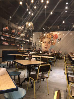 Foto 6 - Interior di Thai Street oleh Nanakoot