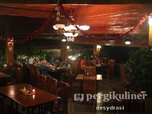 Foto 4 - Interior di The Stone Cafe oleh Desy Mustika
