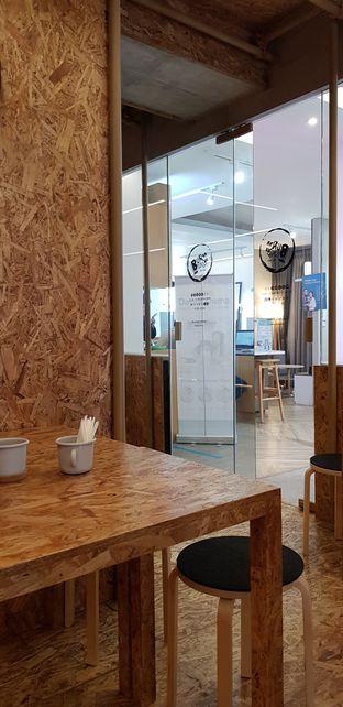 Foto 6 - Interior di Kedai BuruBuru Bakmi dan Kopi oleh Avien Aryanti