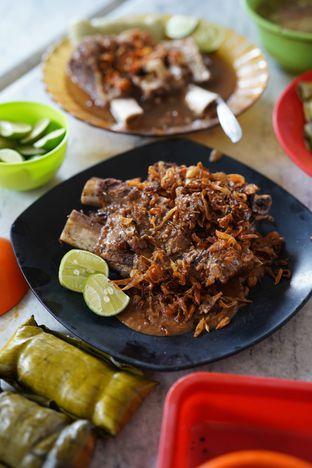 Foto 2 - Makanan di Sop Konro Karebosi oleh @Sibungbung