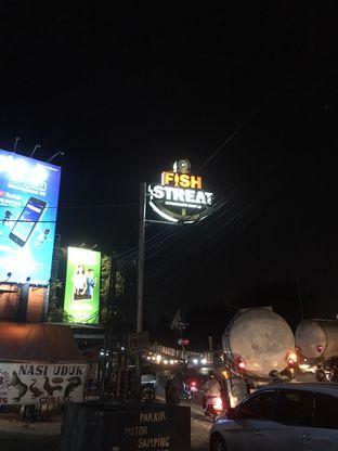 Foto 14 - Eksterior di Fish Streat oleh Prido ZH