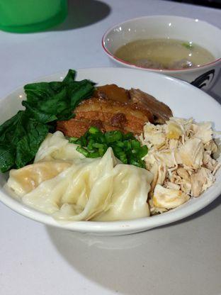 Foto 2 - Makanan di Bakmie Oink oleh Christ the Eater