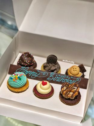 Foto - Makanan(Cupcakes) di La Maison oleh Stellachubby