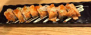Foto 1 - Makanan(Salmon Oyako Roll) di Sushi Tei oleh dinaaraisa