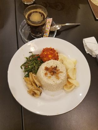 Foto 2 - Makanan(Nasi Gurih Telor Balado) di The Atjeh Connection oleh Shantiany Green