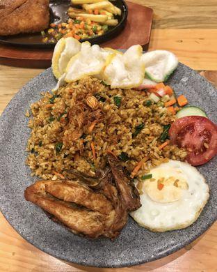 Foto 1 - Makanan(Nasi Goreng) di Warung Bos oleh Filipi & Caroline IG : @ratu_makan