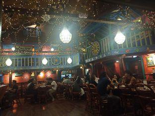 Foto 2 - Interior di Amigos Bar & Cantina oleh Dhans Perdana