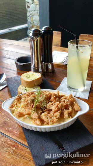 Foto 1 - Makanan di Bluegrass oleh Patsyy