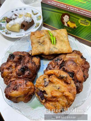 Foto 3 - Makanan di Pisang Goreng Madu Bu Nanik oleh bataLKurus