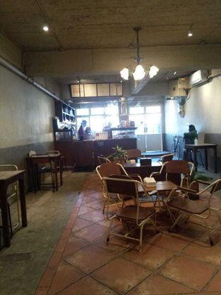Foto 7 - Interior di Kedai Roti Kobi oleh duocicip