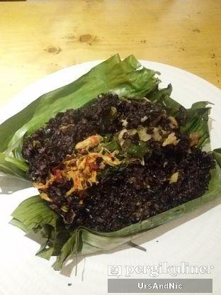 Foto 3 - Makanan(Nasi bakar hitam) di Mars Kitchen oleh UrsAndNic