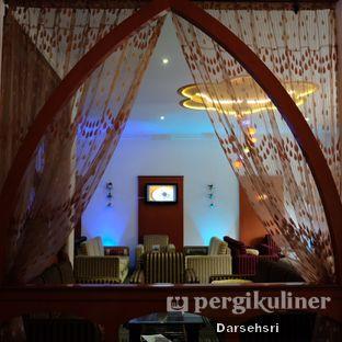 Foto 14 - Interior di Mid East Restaurant oleh Darsehsri Handayani