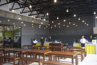 Foto 9 - Interior di Warung Wakaka oleh yudistira ishak abrar