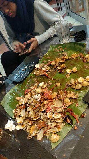 Foto 1 - Makanan di Kantin Seafood Nyengir oleh @cuskuliner