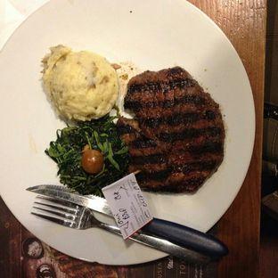 Foto - Makanan di Holycow! STEAKHOUSE by Chef Afit oleh Joni Lie