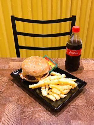 Foto 3 - Makanan di FIX Burger oleh yudistira ishak abrar