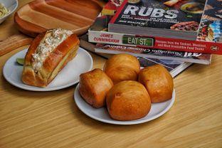 Foto 4 - Makanan(Lobstrer Roll and Mantau) di Chef Epi - Hotel Sheo oleh Fadhlur Rohman