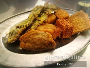 Foto 2 - Makanan di Soto Ayam & Ayam Goreng Bangkong oleh Fransiscus
