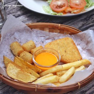 Foto 5 - Makanan(Mix Fries) di BlackBarn Coffee oleh Melisa Stevani