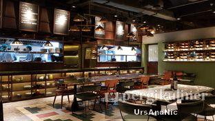Foto 6 - Interior di FLYNN Dine & Bar oleh UrsAndNic